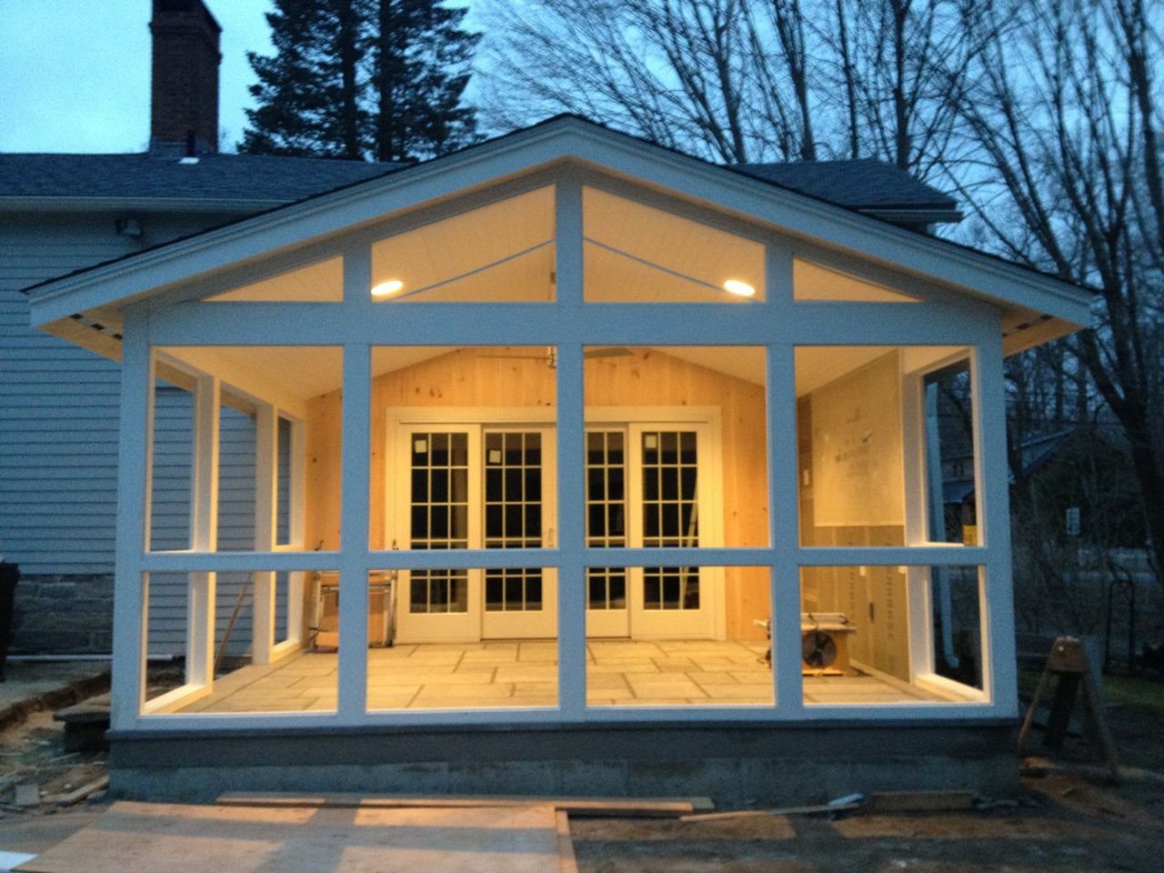 Bluestone beadboard screened porch sapia builders corp for Screened front entry
