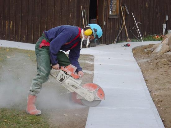 cement-cutting
